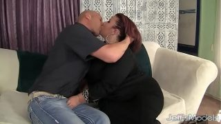 Pretty Plumper Lady Lynn Is Fucked in Her Pussy Before Making the Guy Jack Off