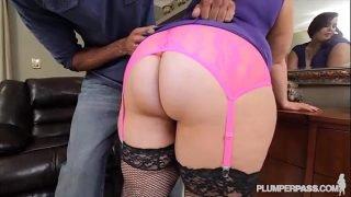 Sexy Newbie Phoenixxx BBW Takes on her First Big Black Cock